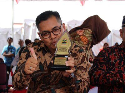 Kepala Desa Pulosari Mendapat Penghargaan Tertinggi di APN 2017